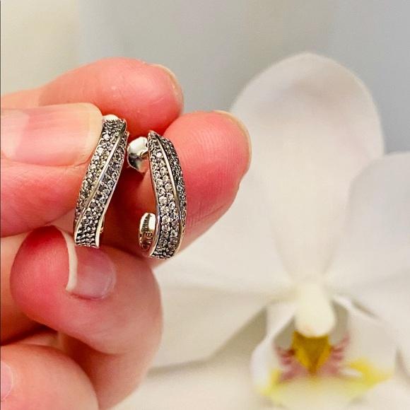 Pandora Elegance waves earrings